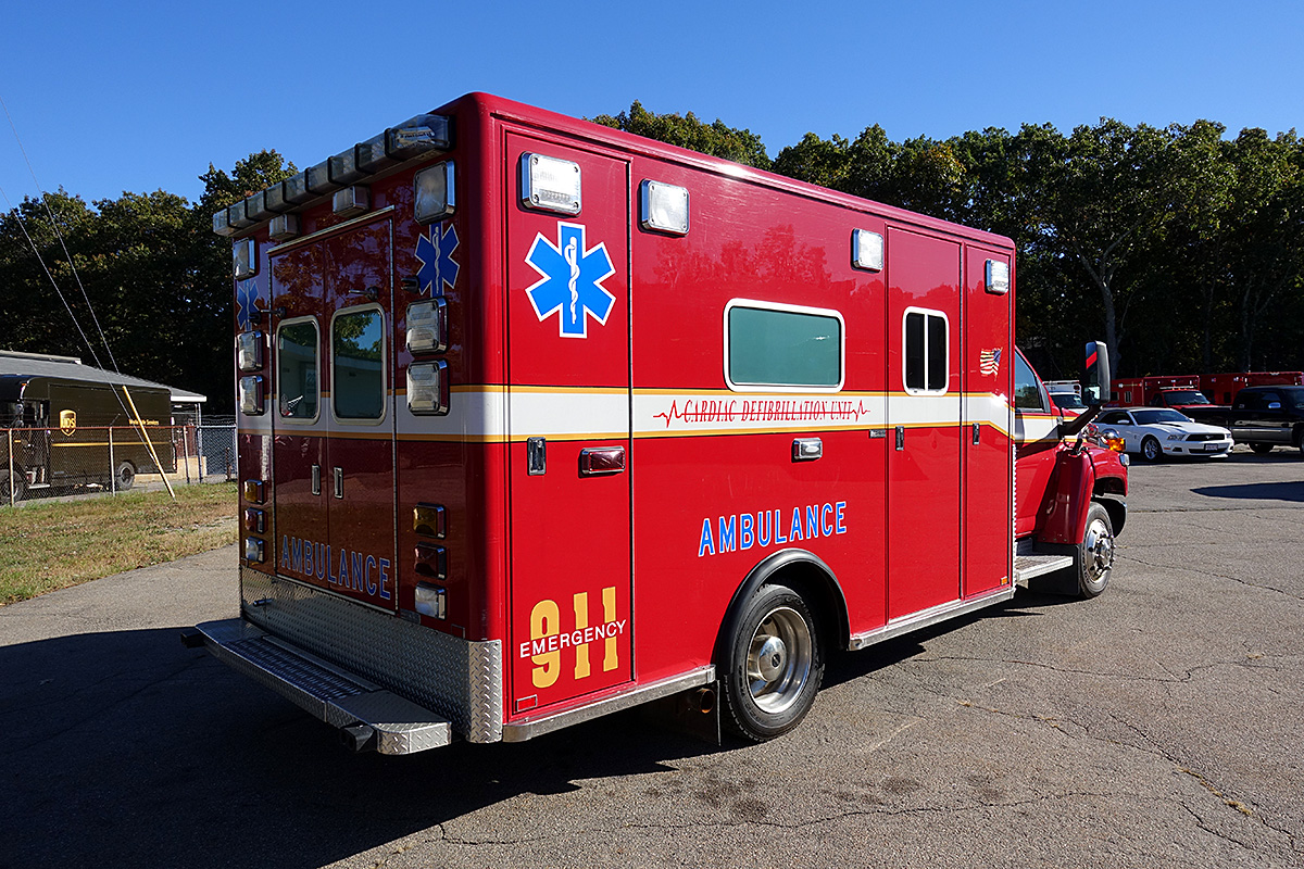 Used Ambulance F423375 Specialty Vehicles Inc